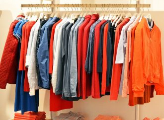 Jak przechowywać ubrania w piwnicy lub na strychu?