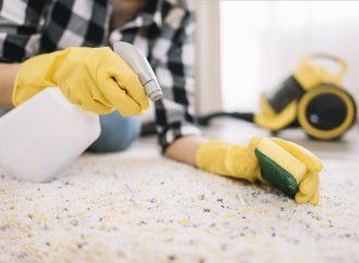 Jak pielęgnować i czyścić dywan tkane ręcznie?