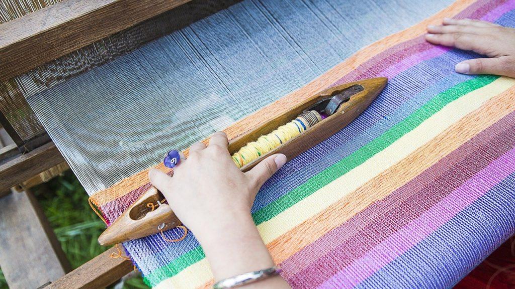 tkanie dywanu