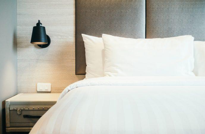 Wiosenne porządki, które warto wykonać w sypialni