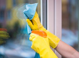 Najlepsze sposoby na mycie okien