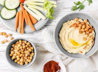 Jak zrobić hummus, czyli 5 pomysłów na pastę z ciecierzycy