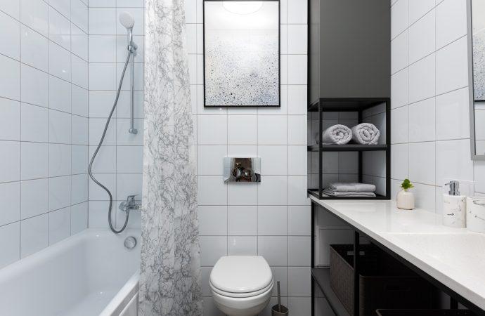 Drobne akcesoria, które odmienią wystrój łazienki