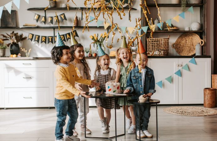 Urodziny dziecka w domu. Jak je zorganizować?