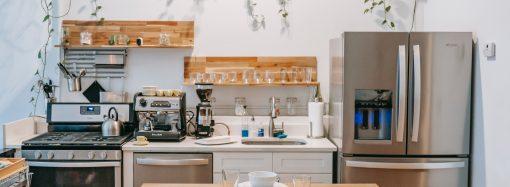 Jak zaaranżować przestrzeń w małej kuchni?